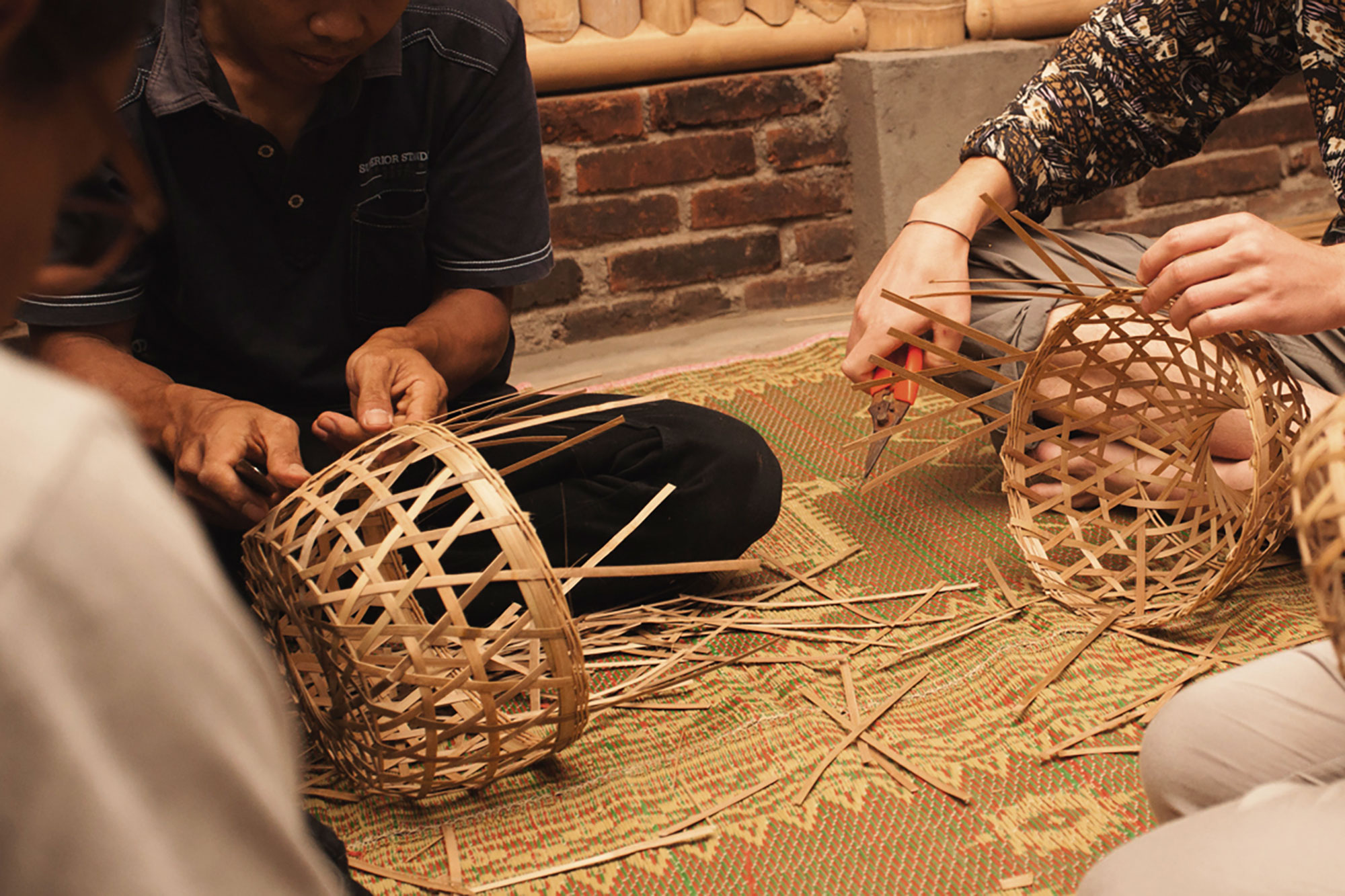 Bamboo basket weaving workshop held on location for DAB UTS students on Global Design Studio in a Central Javanese village by Spedagi organisation