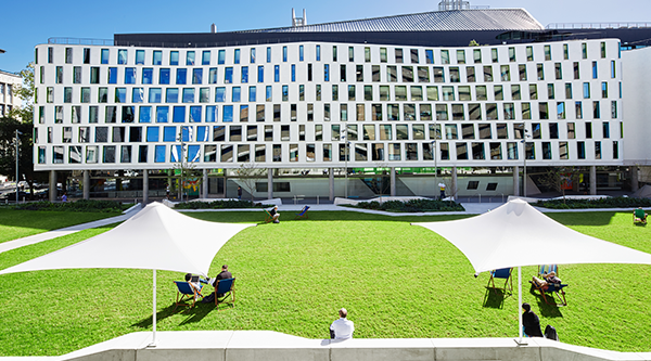 The Alumni Green 'Green' will be closed for maintenance for about 3 weeks during September 2015. Image credit (above and side): Florian Groehn
