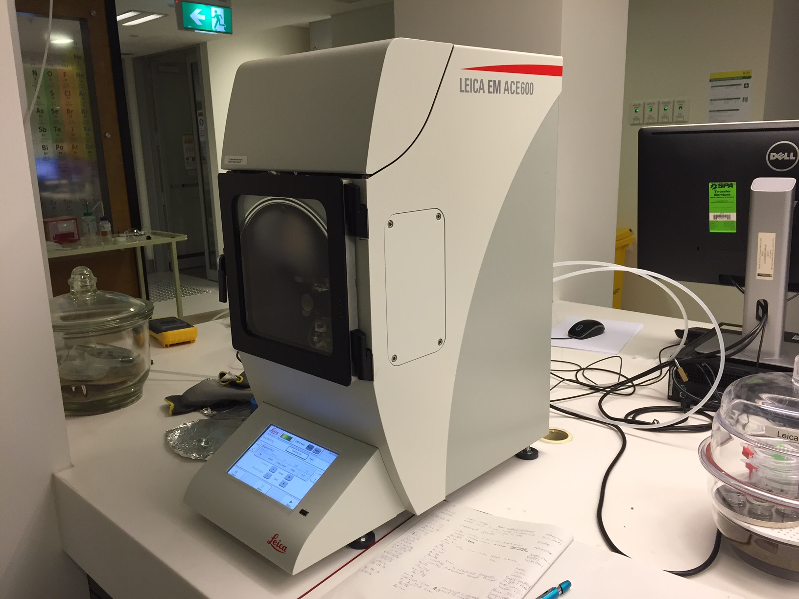 Image of the Leica EM ACE600 coater