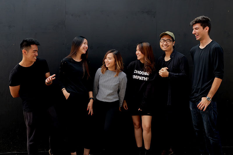 Group of students who creates livid exhibitions