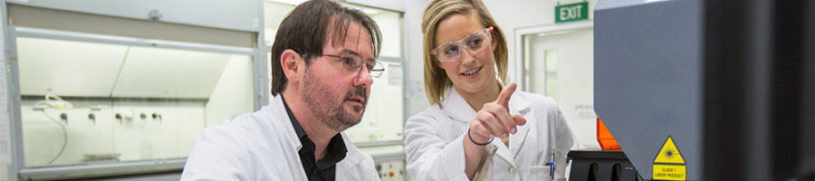 A research student working with her supervisor in the UTS Chemical Technologies Facility