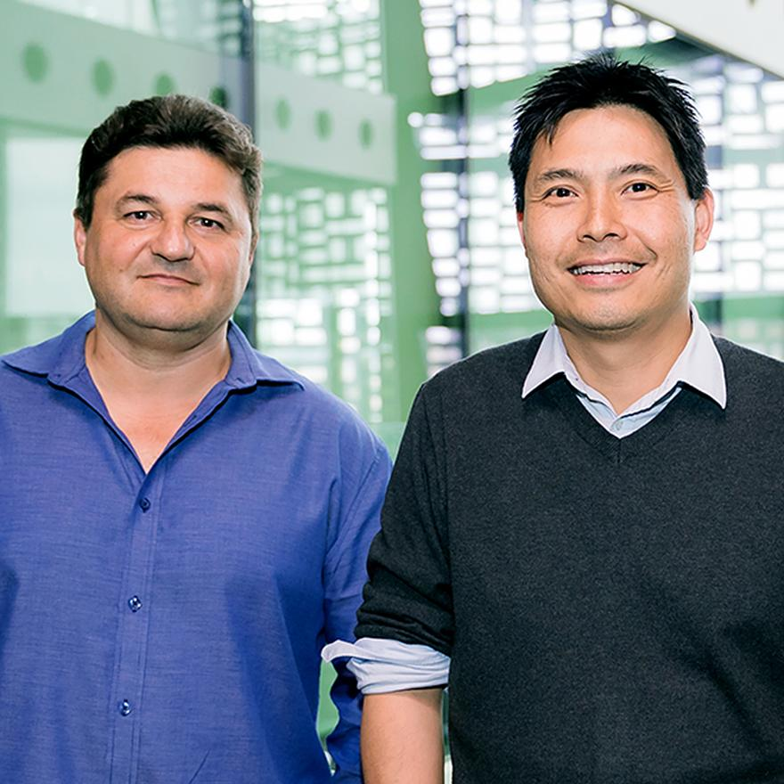 Gyorgy Hutvagner and Nham Tran from UTS School of Biomedical Engineering