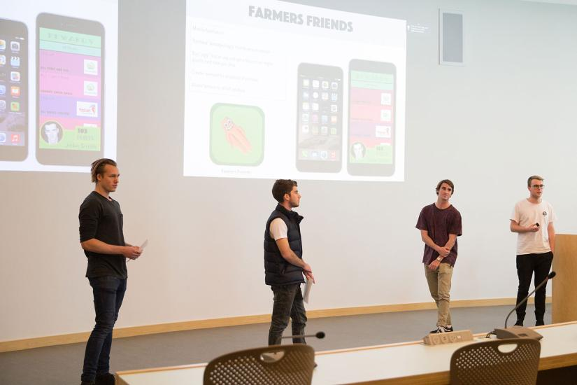 4 students giving a presentation