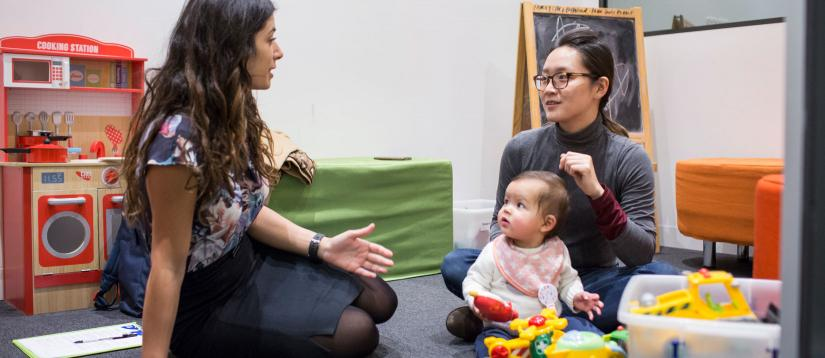 Clinical Psychologist with parent and child