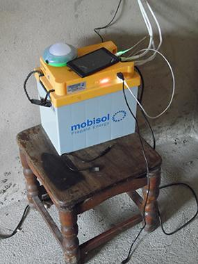 phone charging from solar battery
