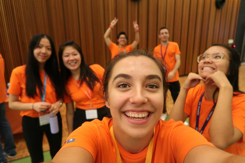 Happy Peer Networkers during Autumn Orientation 2018 taking a selfie
