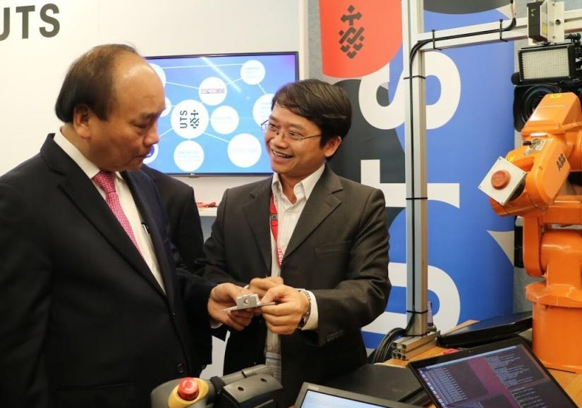 Vietnamese Prime Minster sees UTS technology up close