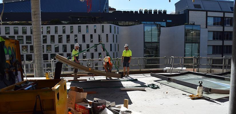 UTS Central, facade install