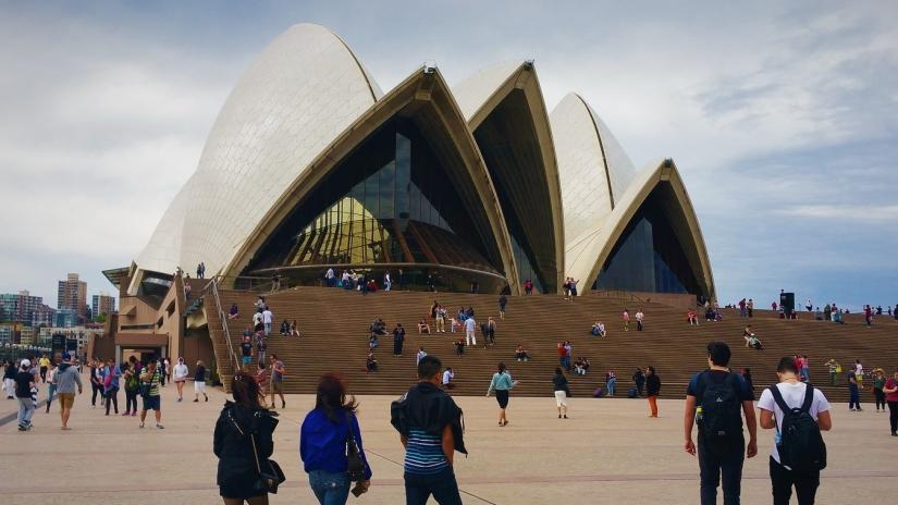 Opera House tourists