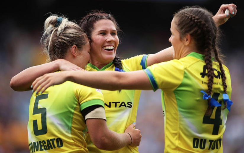 Australian women in the green and gold at the HSBC Sydney 7s tournament. Photo: Getty Images