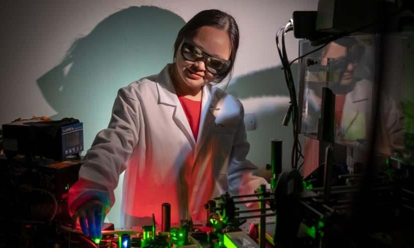 Eureka Prize shortlisted UTS academic, Dr Jiajia Zhou, at work in the lab