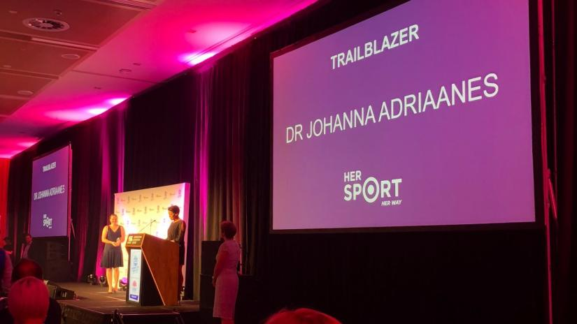 Johanna receives award