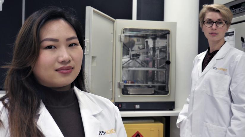 Irina & Carin in the lab