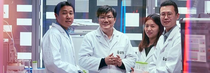 Professor Hokyong Shon (centre)