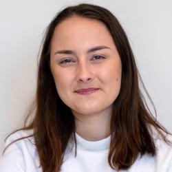 Polina Pashkov headshot
