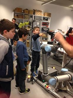 Students at Bright Futures week exploring robotics