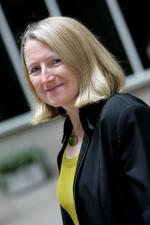 Dr Gill Owen